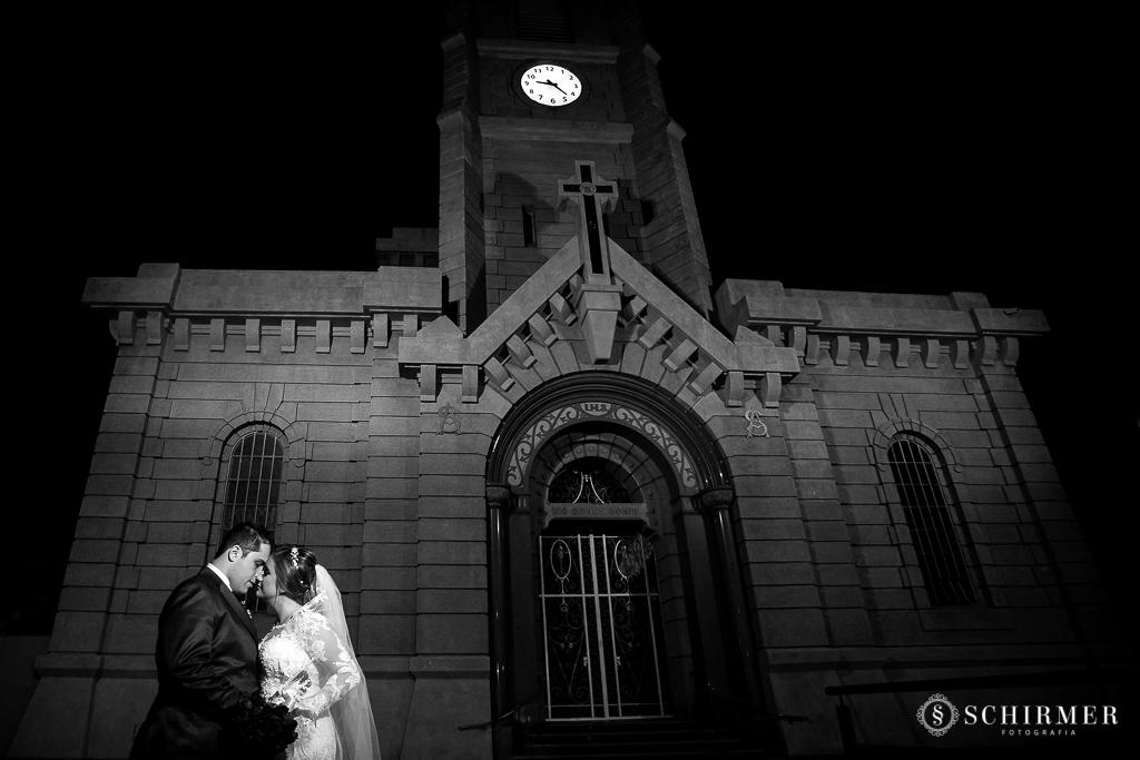 casamento porto alegre noiva andressa e jõao igreja santo antonio noivos no altar saida dos noivos