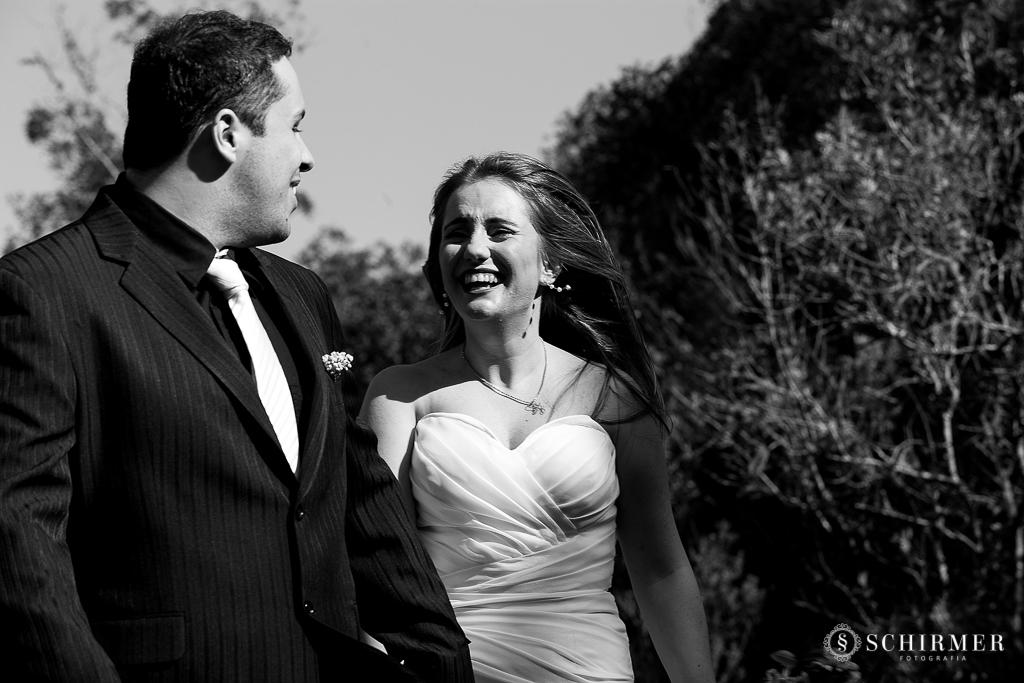 ensaio pre casamento andressa e joão vacaria RS pre wedding cachoeirinha fotografo de casamento região metropolitana Parque das Cachoeiras correndo