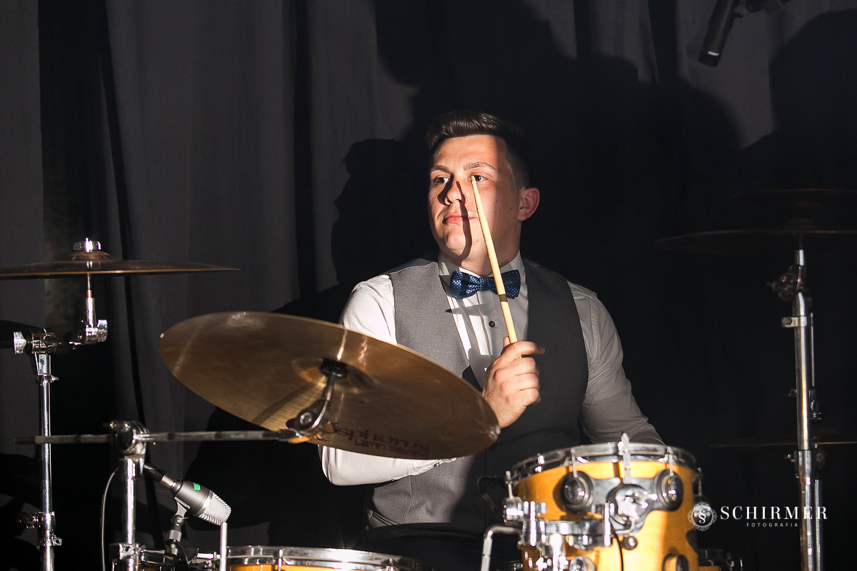noivo baterista festa de casamento - schirmer fotografia - porto alegre - fotografo de casamento maycon e jana