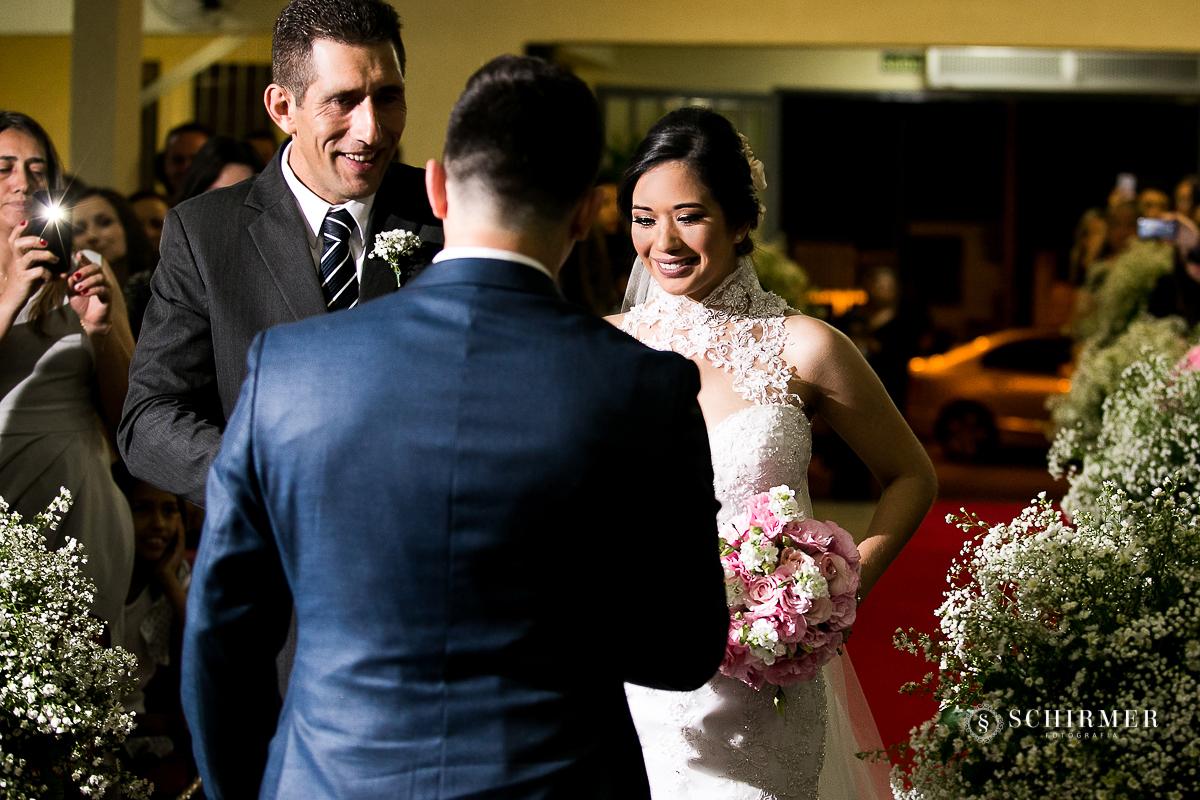 entrada da noiva - - schirmer fotografia - porto alegre - fotografo de casamento maycon e jana