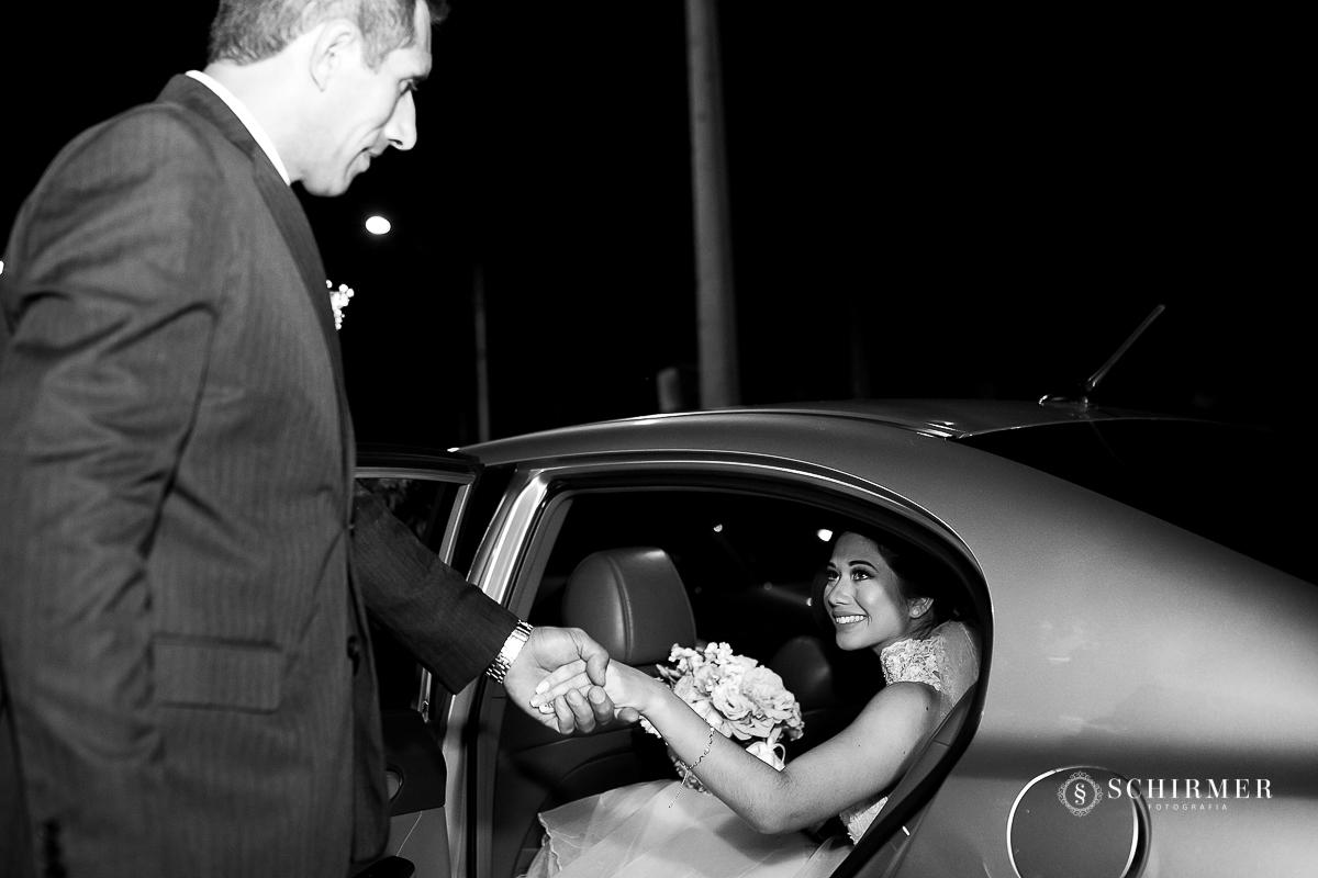 entrada da noiva - schirmer fotografia casamento maycon e jana