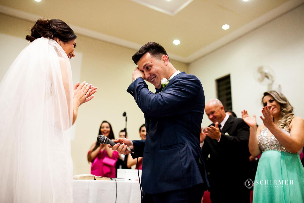noivo emocionado - schirmer fotografia - porto alegre - fotografo de casamento maycon e jana