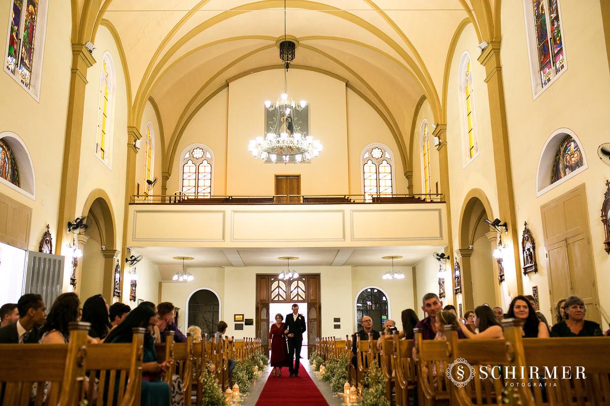 schirmer fotografia casamentos em porto alegre RS igreja paroquia são joão entrada do noivo