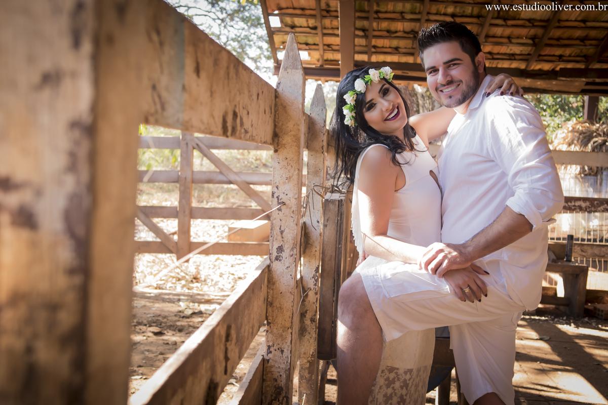 pre wedding, wedding, pre casamento, fotos de pre casamento, fotos de pre wedding, fotos de casamento na cidade Inhaúma  - mg, casamento em Inhaúma -mg, fotos românticas,  fotos despojadas, fotos de casal, fotos em mariana, sess&atilde