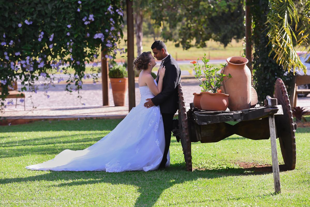 pos wedding, wedding, pos casamento, fotos depois casamento, fotos de ensaio pos casamento, fotos de casamento no leite ao pe da vaca, casamento em  serra do cipo , fotos românticas,  fotos despojadas, fotos de casal na no leite ao pe da vaca, fotos