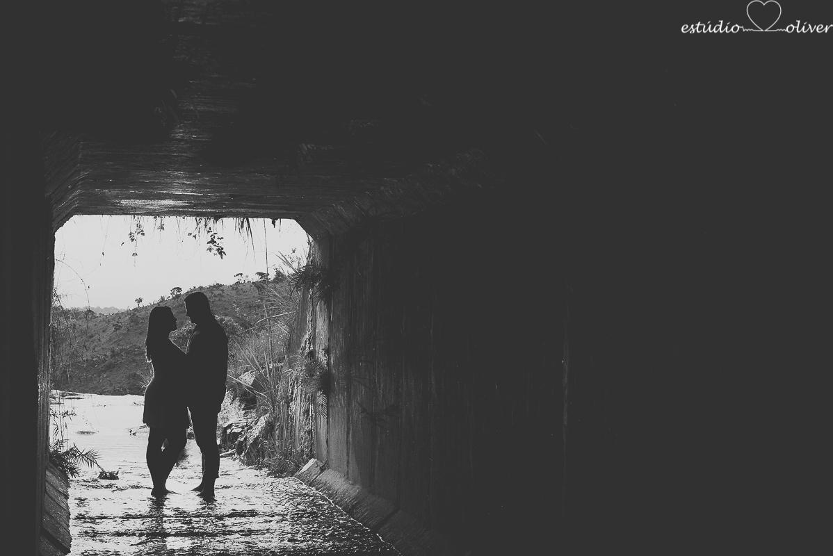 ensaio na chuva,  foto na chuva, ensaio pre casamento, ensaio pre wedding, fotografo em bh, melhores fotografo de, estudio oliver, fotografia em dia de chuva, foto em cachoeira