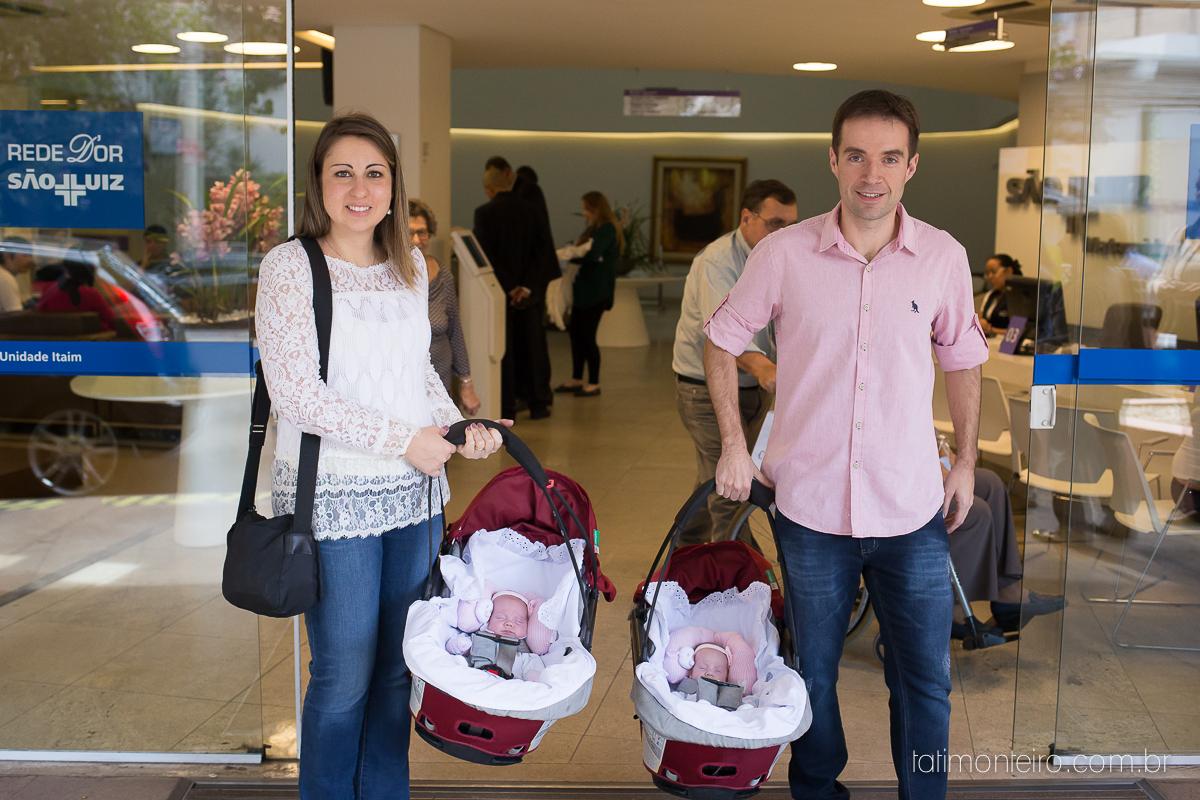 saída da uti beatriz e julia com os pais, hospital sao luiz, fotografa de parto sp, fotografa de familia sp