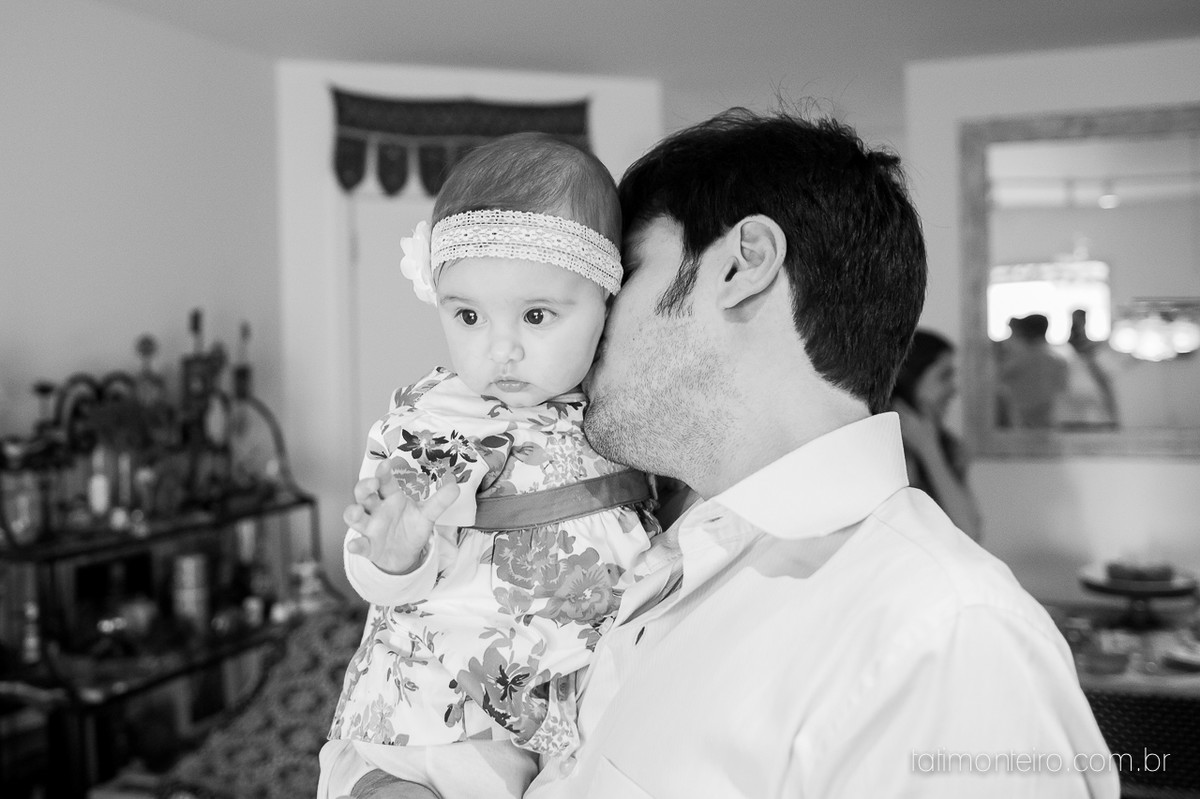 ensaio de familia lifestyle, ensaio de familia em casa, fotos de familia, fotografa de familia sp, fotografo de familia sp, fotografa de bebe sp, pai beijando bebe