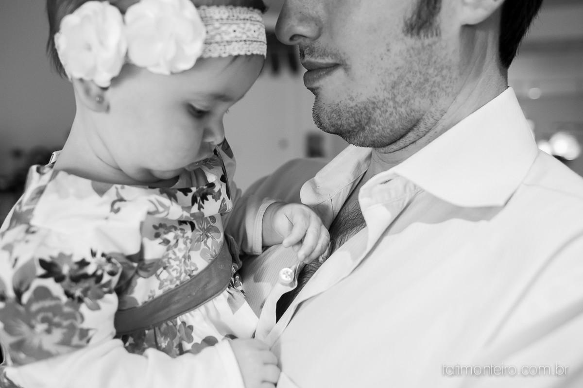 ensaio de familia lifestyle, ensaio de familia em casa, fotos de familia, fotografa de familia sp, fotografo de familia sp, fotografa de bebe sp, bebe fazendo carinho no pai