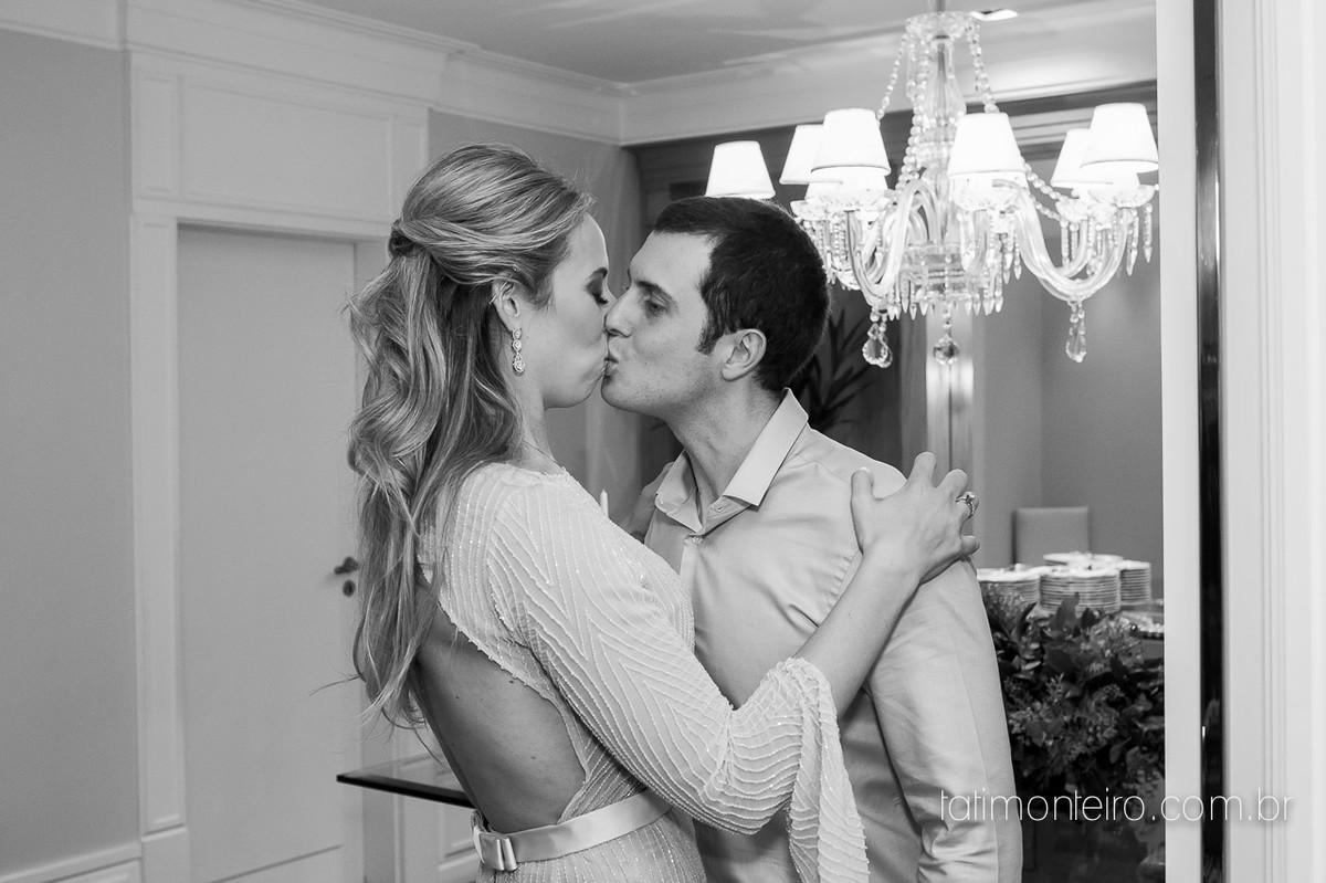 mini wedding sp, fotografa mini wedding sp, fotografia de casamento sp, fotografa de casamento sp, fotografo de casamento sp, noivos se beijando