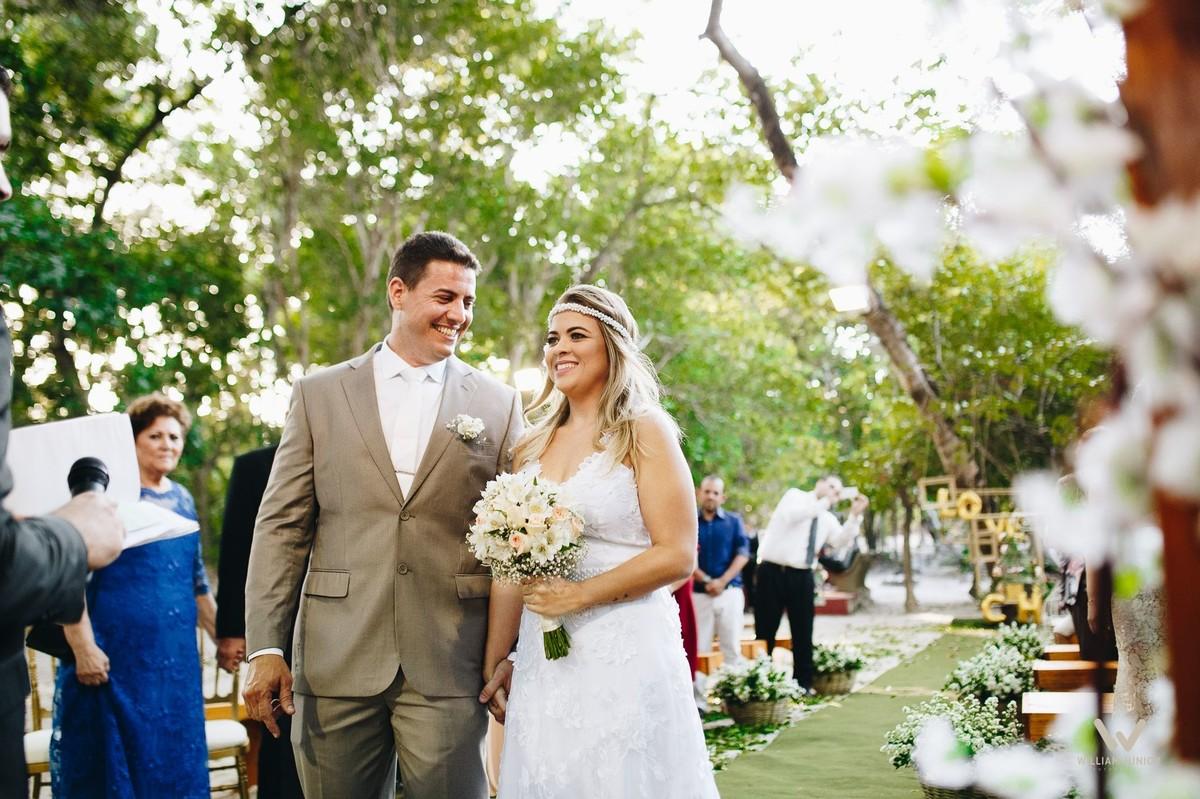 Olhar do noivo para a noiva