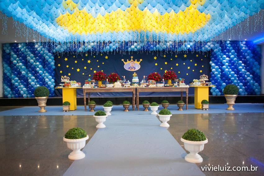 mesa decorada do pequeno príncipe