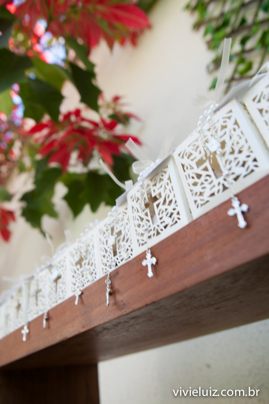 cruz nas lembranças do batizado