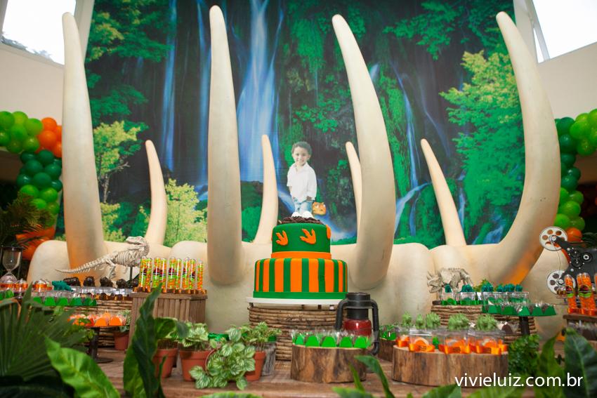 mesa da decoração de jurassic park
