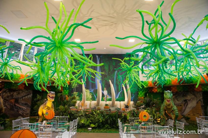 detalhes de balões decoração de jurassic park