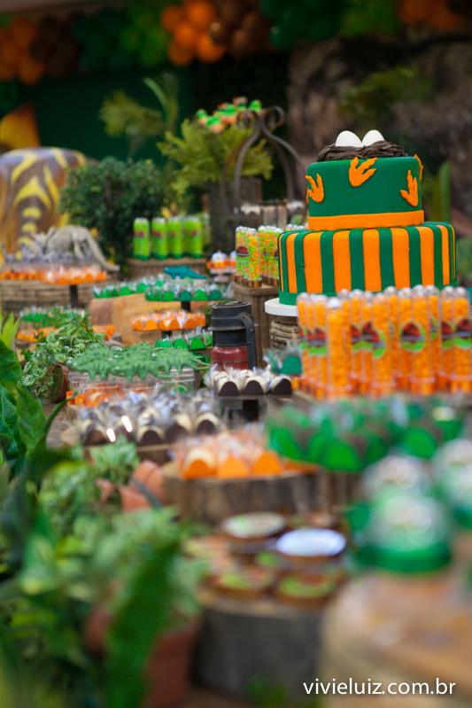 mesa de perfil decoração de jurassic park