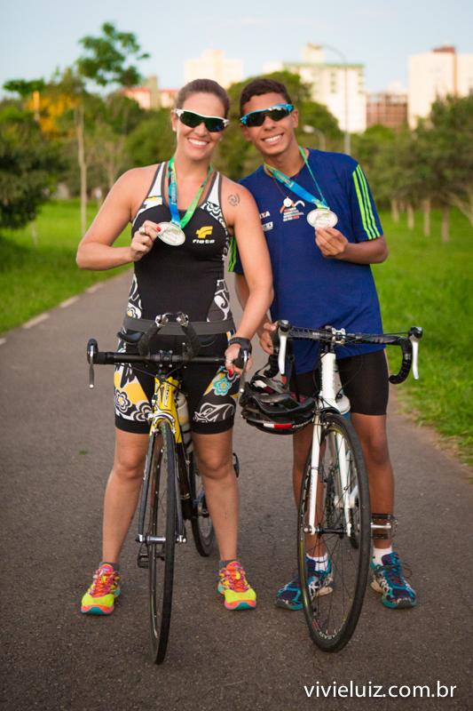 mae e filho ciclistas com medalhas