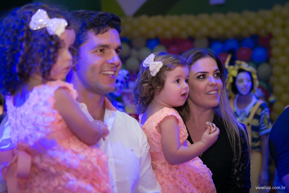 família na apresentação da xuxa fotografado por Vivi e Luiz Fotografias