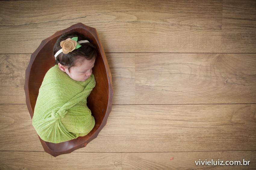 Bebê dormindo conforme a cabeça