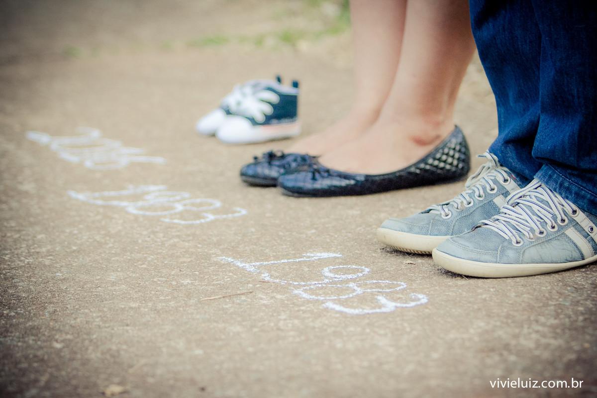 Sapatos e anos com as datas