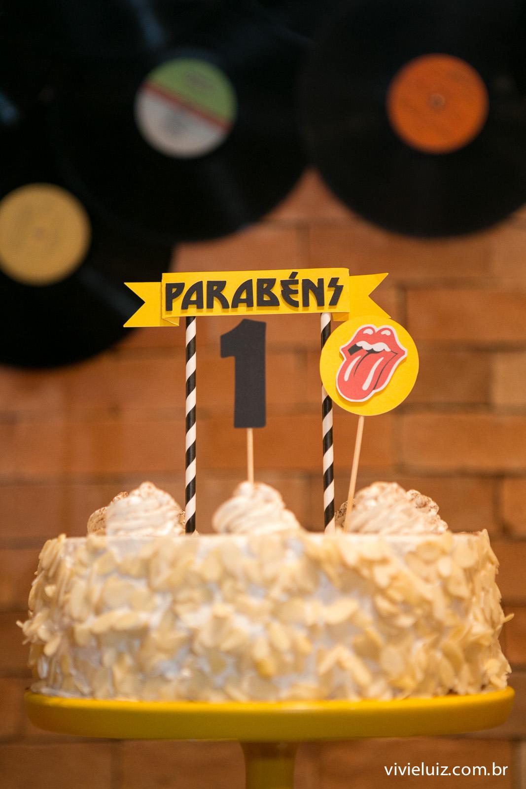 bolo da las pitangas para o aniversario