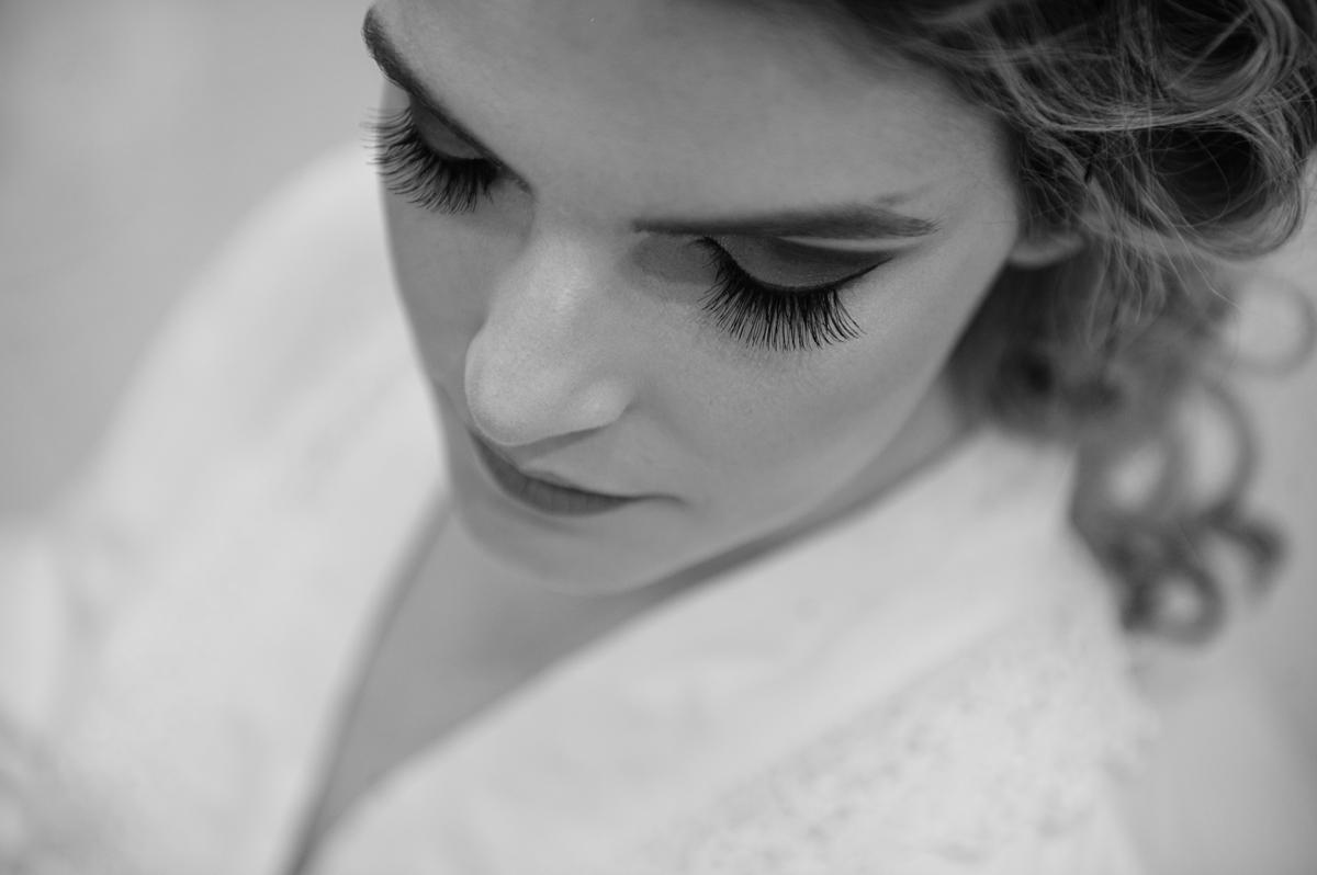 Detalhe da beleza da noiva