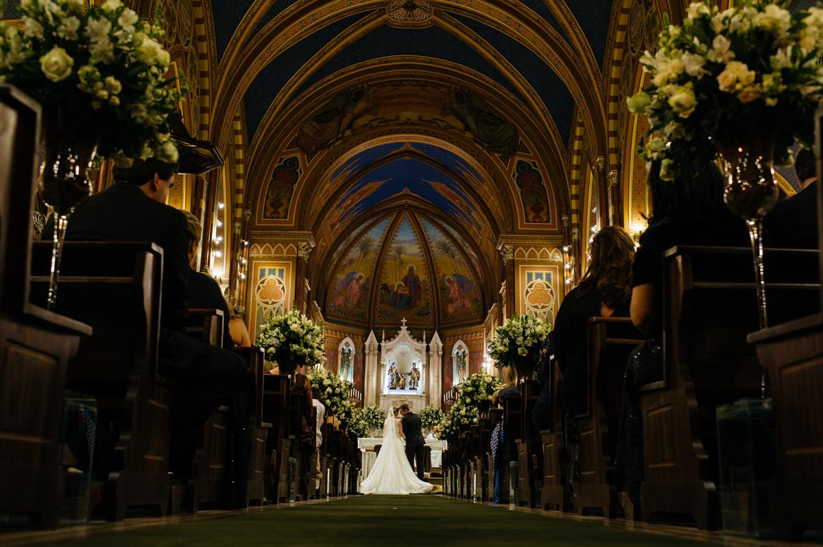 Linda vista da igreja Catedral de jundiaí na hora do casamento