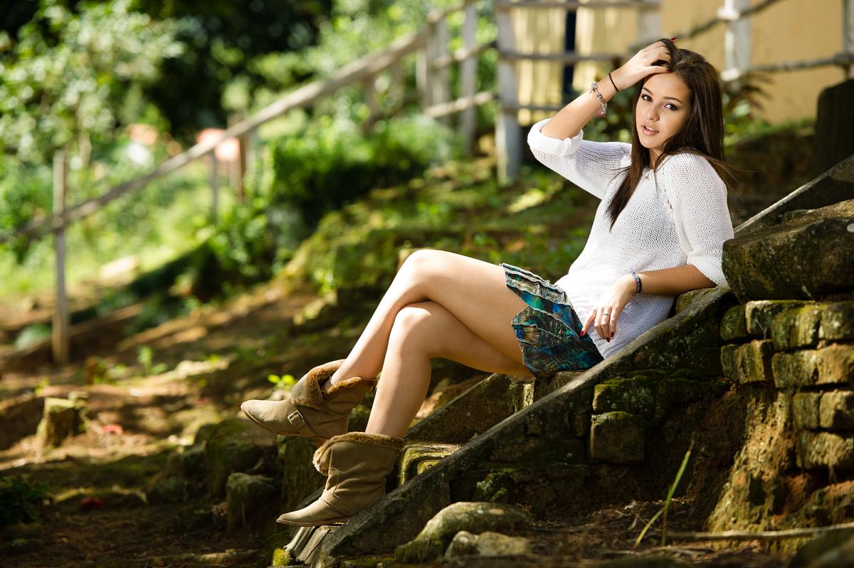 debutante pousa para foto em fazenda