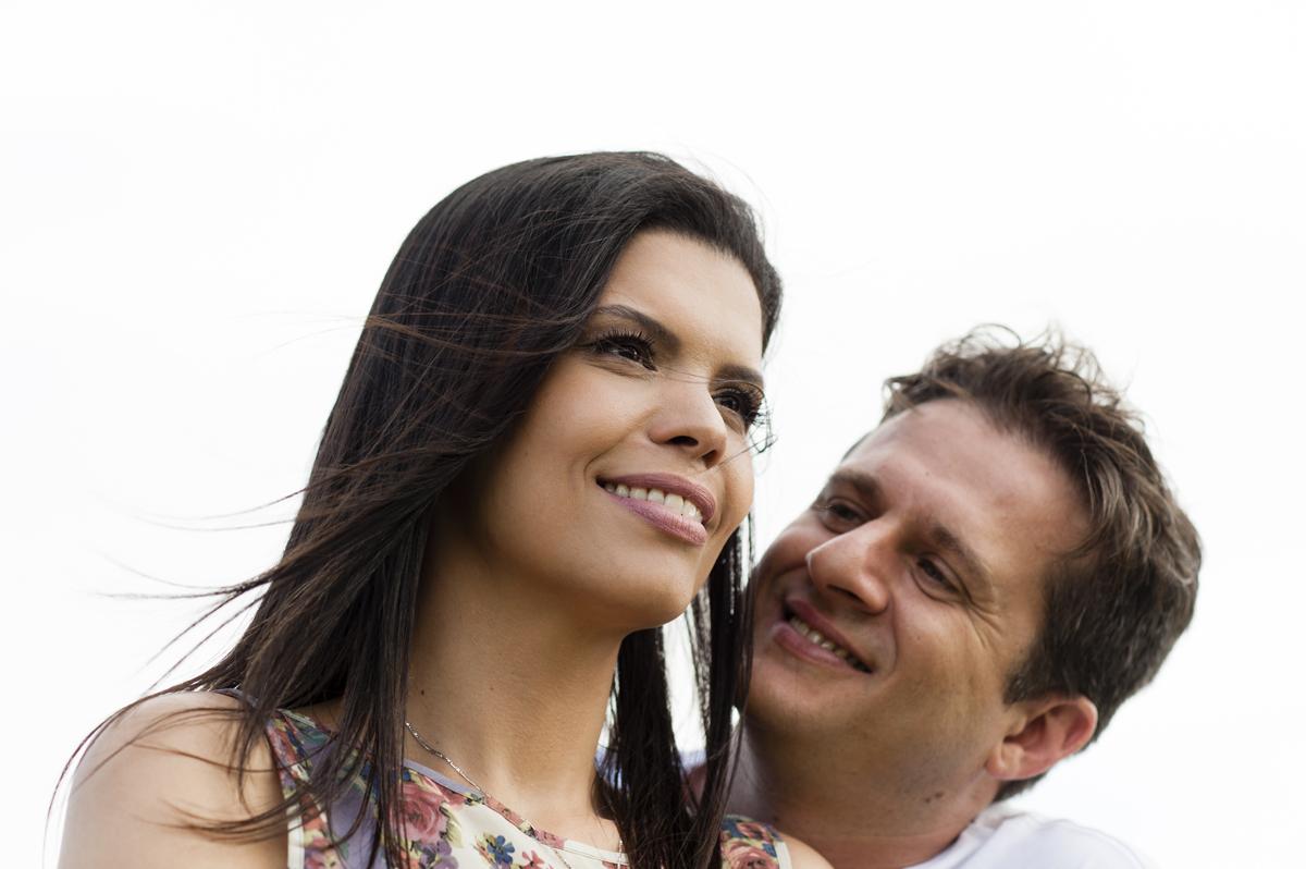 detalhe do rosto do casal