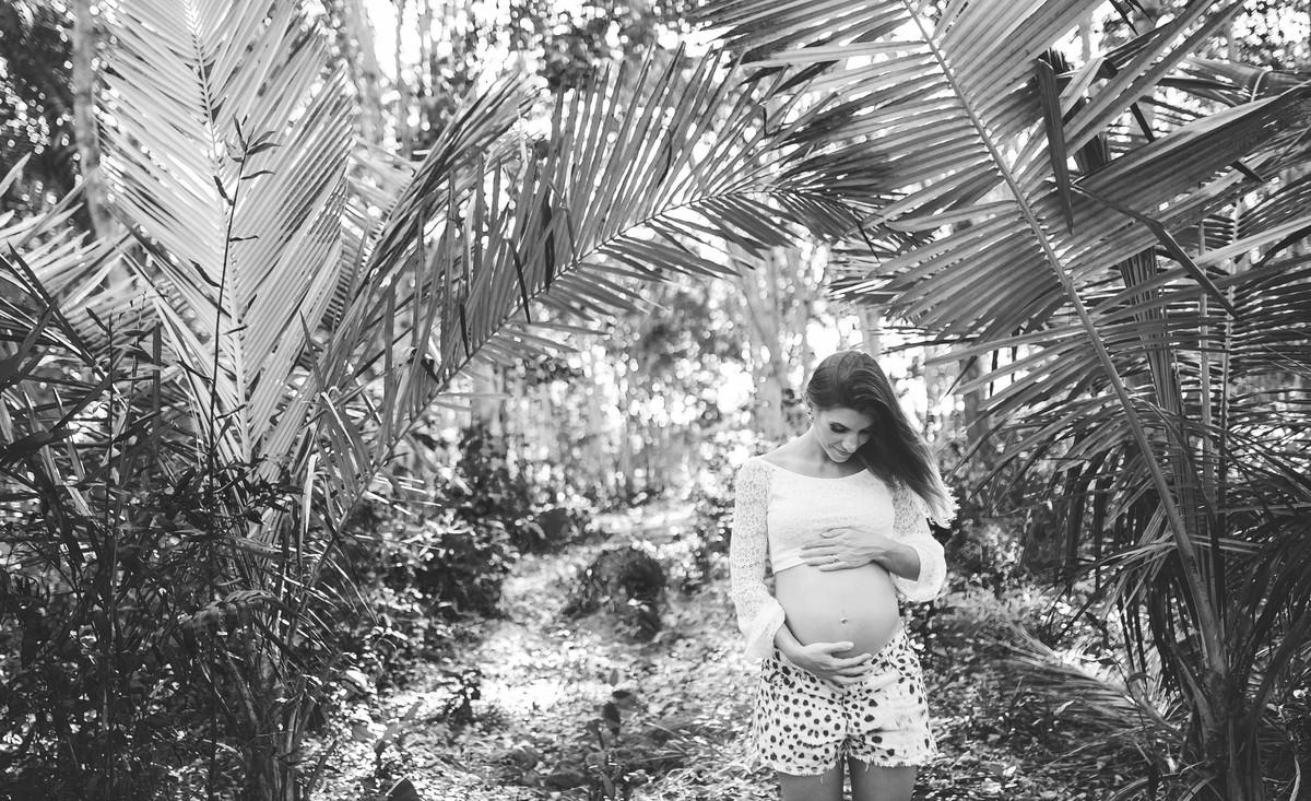 Gestante pregnant ensaio casa home saudável book fotos vitória vila velha lingerie roupa leveza bebê gestação neném viana sara plantação milho Golden hour por sol fazenda sitio