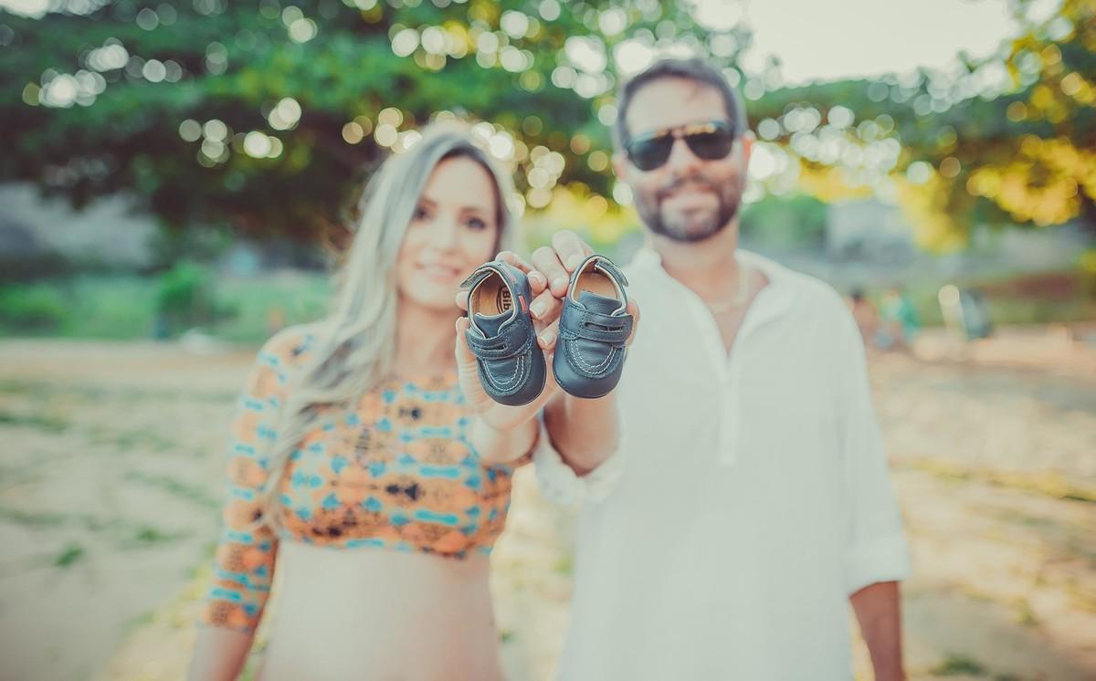 Gestante pregnant ensaio casa home saudável book fotos vitória vila velha roupa leveza bebê gestação neném por sol Golden hour ilha frade neném