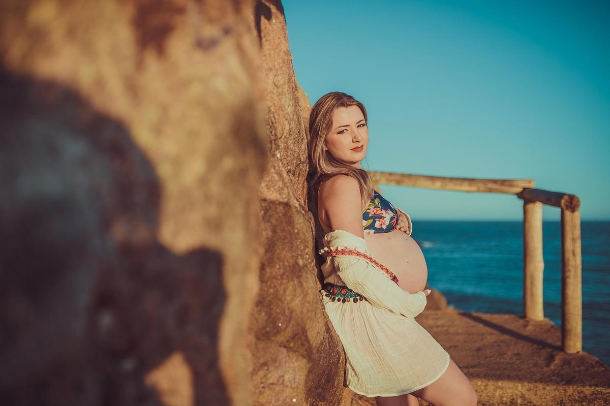 Gestante pregnant ensaio saudável book fotos vitória vila velha roupa leveza bebê gestação neném por sol Golden hour barra jucu neném amor casal Colatina por sol
