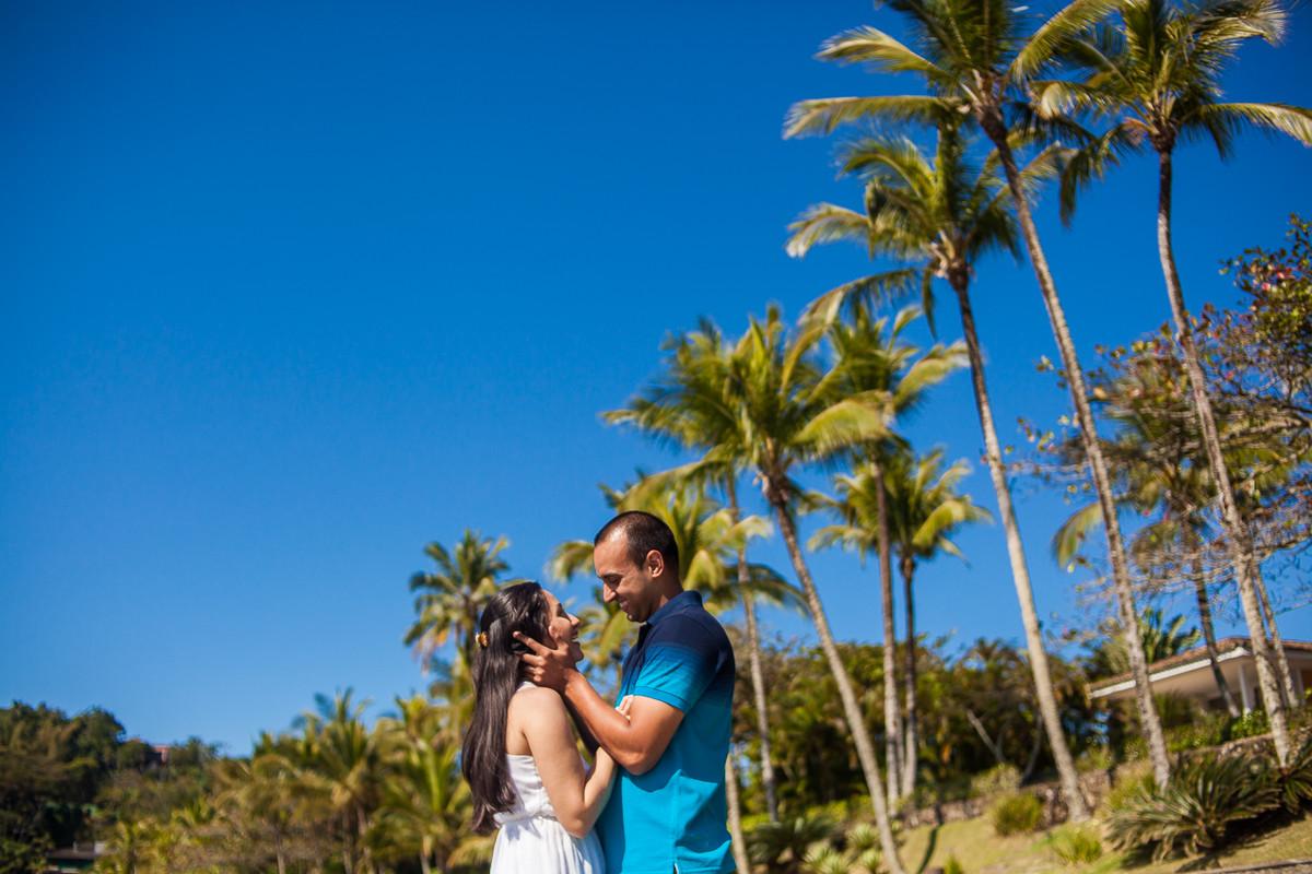 céu azul da praia de iporanga