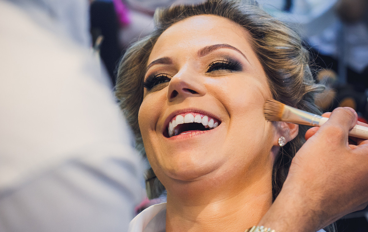 sorriso lindo da noiva