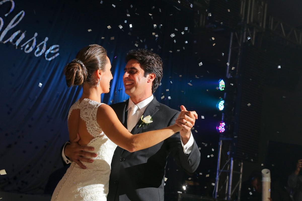 casamento em sete lagoas, salao do du, entrada da noiva, ana carolina, casamento, wedding, sete lagoas, leo drummond, igreja, santo antonio, valsa, esplendore
