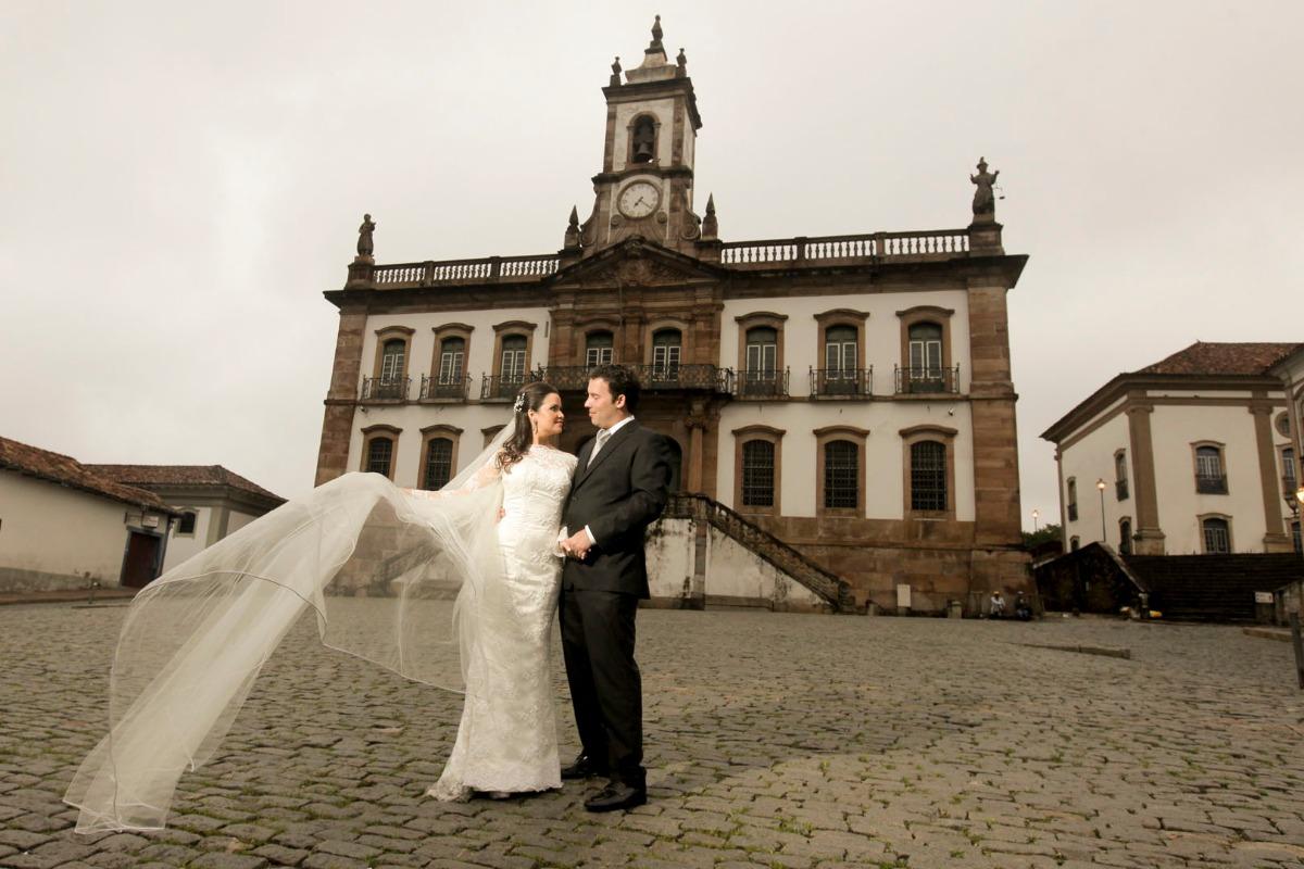 mercado, ouro preto, cidade histórica, pos wedding, pós casamento, christiane, fernando, produção, leo drummond , museu