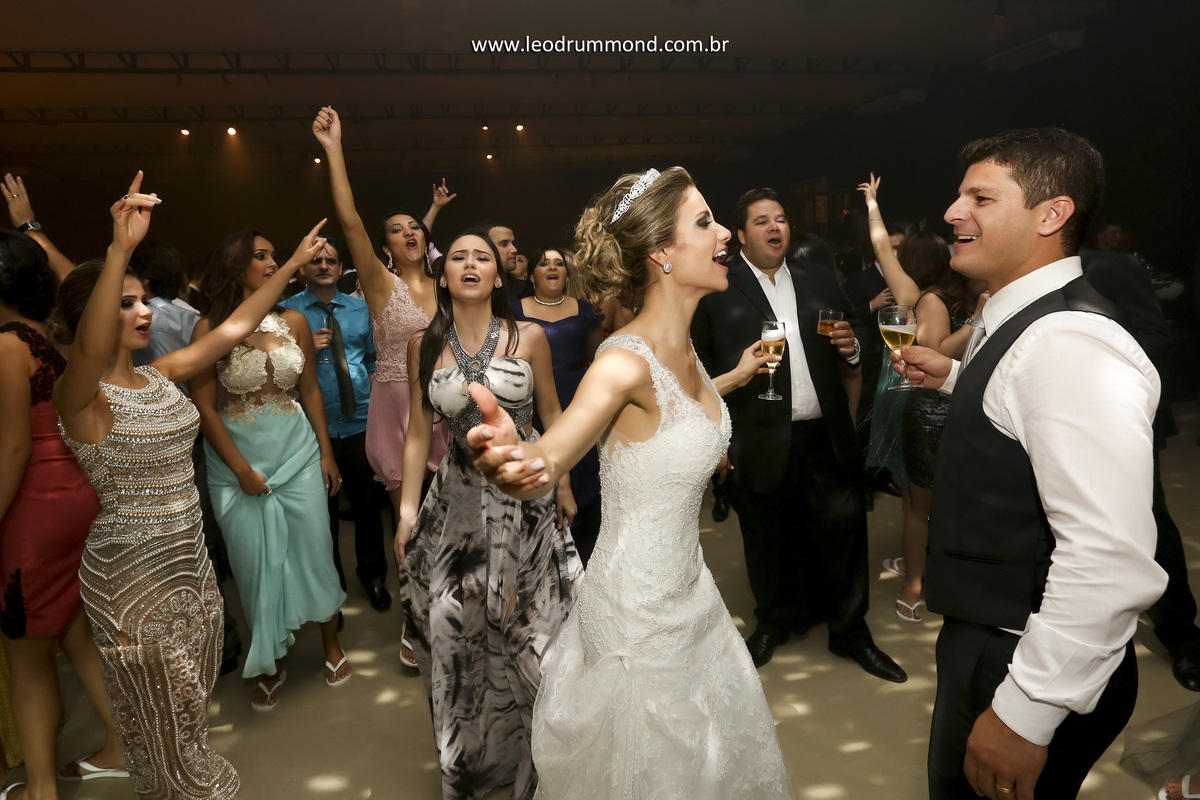 casal dançando, festa, carolina e rafael