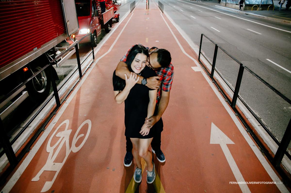 Tailize_Efeso_casal_av_paulista_sessao_urbana_fotografo_casamento_sp_pre_casamento_wedding_dia_noite_mini