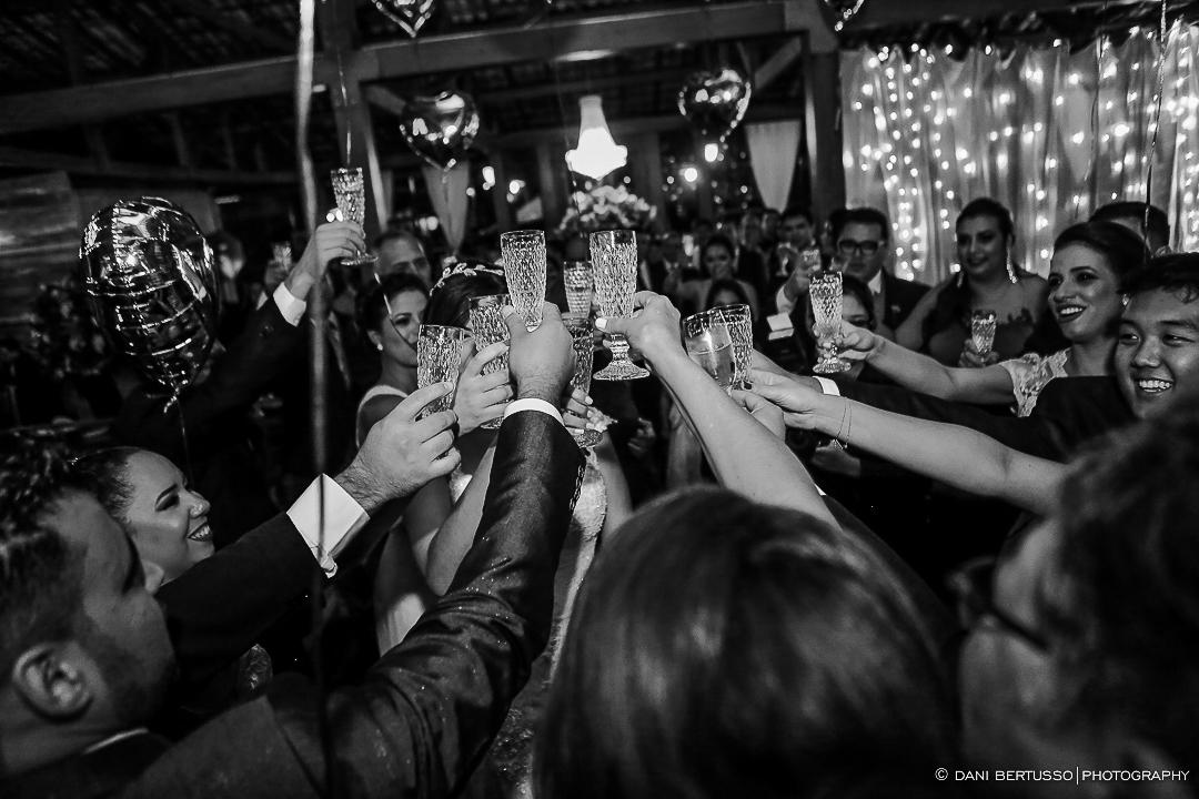 Casamento - Wedding - Destination wedding - Fotografia de Casamento - Fotógrafa de Casamentos em SP - Dani Bertusso - Igreja Bom Pastor - Espaço Armazem 465 Alphaville
