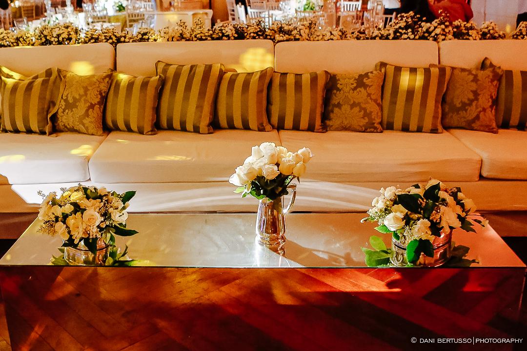 Decoração de Casamento - Wedding - Destination wedding - Fotografia de Casamento - Fotógrafa de Casamentos em SP - Dani Bertusso - Igreja São José do Jardim Europa - Buffet Torres São Paulo
