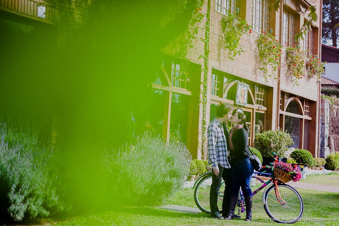 Ensaio fotográfico em Campos do Jordão - Pre wedding - Destination wedding - Fotografia de Casamento - Sessão de fotos no Campo - Fotógrafa de Casamentos em SP - Dani Bertusso