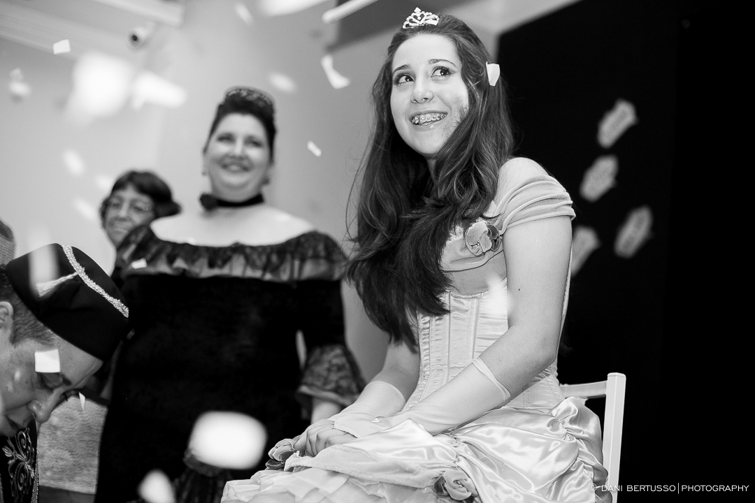 Fotografia Debutante - Festa de 15 Anos a fantasia – Fotografia de 15 Anos - Fotografia de Casamento - Fotógrafa de Casamentos e Família em SP - Dani Bertusso - São Paulo