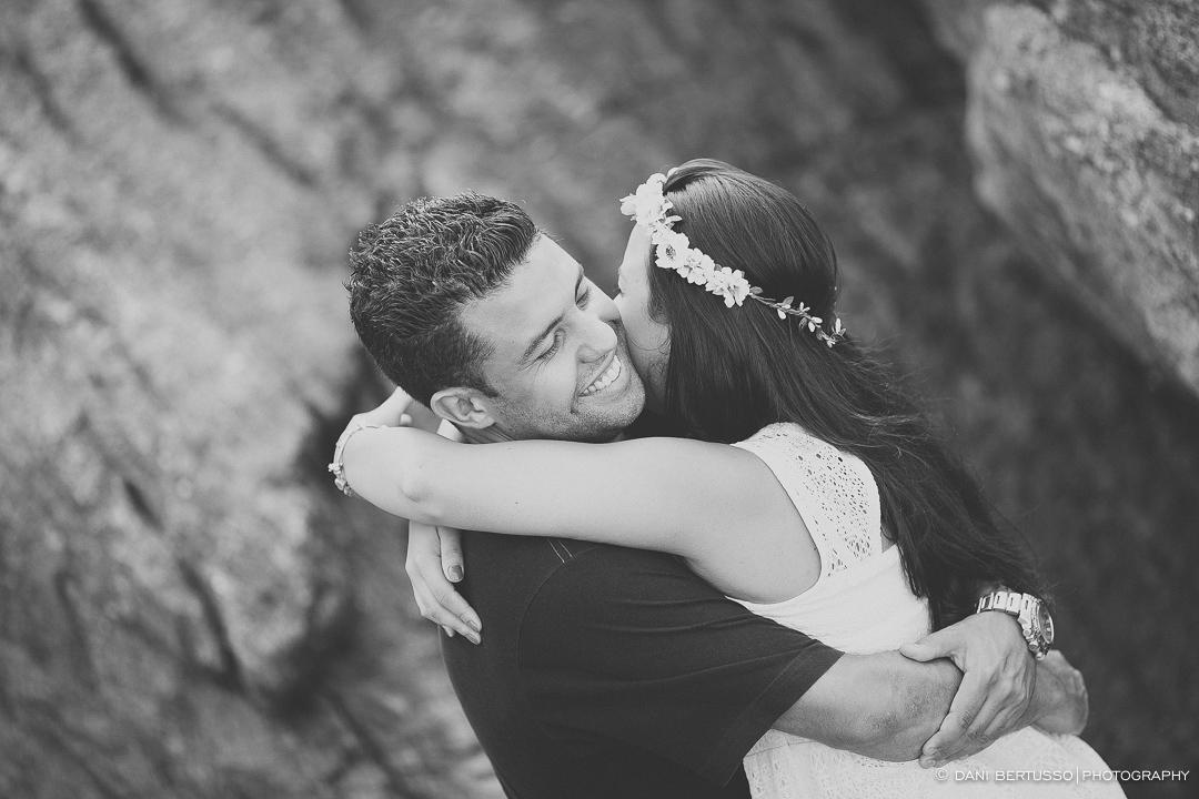 Ensaio fotográfico - Pre wedding - Destination wedding - Fotografia de Casamento - Fotos no Guarujá - Sessão de fotos na praia - Fotógrafa de Casamentos em SP - Dani Bertusso