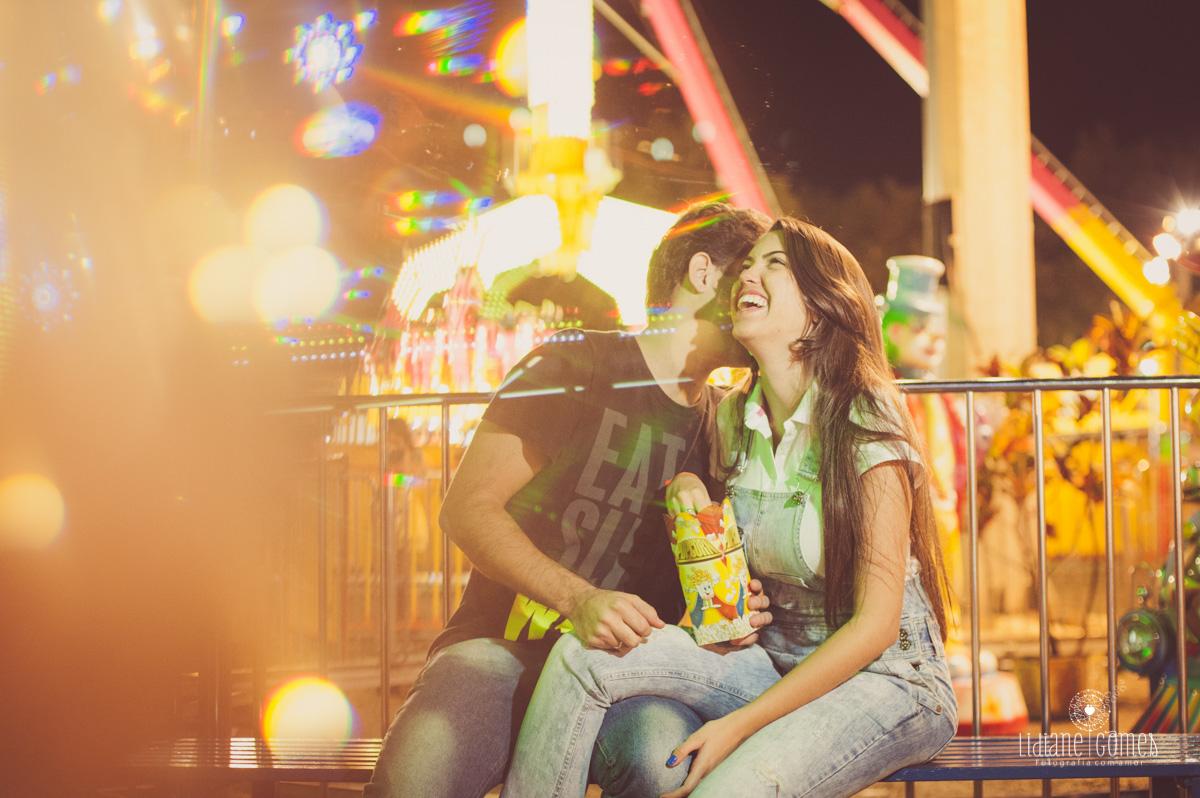 ensaio de casais, ensaio pré casamento, fotos pré wedding, pré wedding, parque de diversão, ensaio no parque, ensaio de casal no parque de diversao, casal e parque de diversao