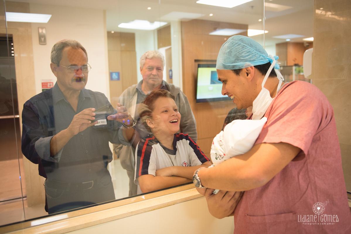 nascimento, fotografia de parto, parto, fotos de nascimento, fotos de nascimento em niterói, nascimento hospital cnh, hospital csh niterói