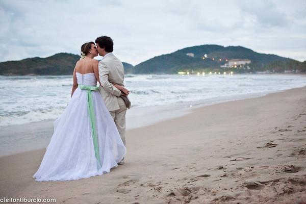 Casamentos de Céline e Roberto | Praia  Pernambuco – Guarujá