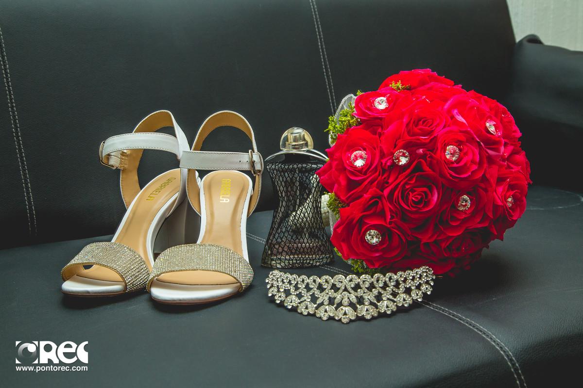 sapado da noiva, buque da noiva, acessorios