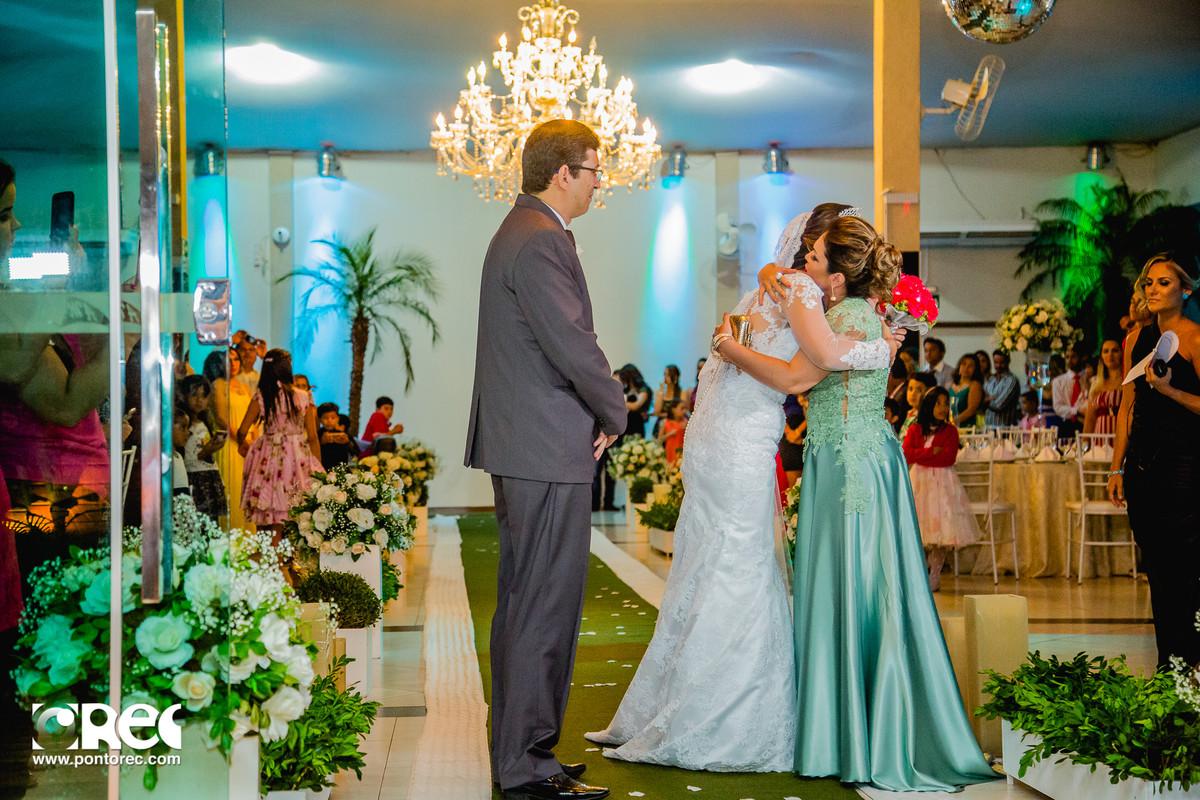noiva, vestido de noiva, assesorio noiva, wedding, casamento, fotografo de casamento, video de casamento, ponto rec foto e cinema, emoção de casamento,