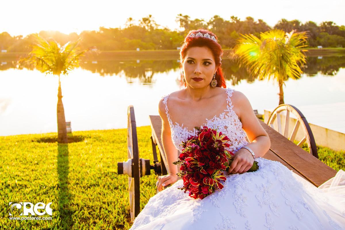 noiva, noivado, buque, por do sol, acessorios noiva, vestido de noiva, fotografia de casamento, fotografo de casamento, campo grande, editorial