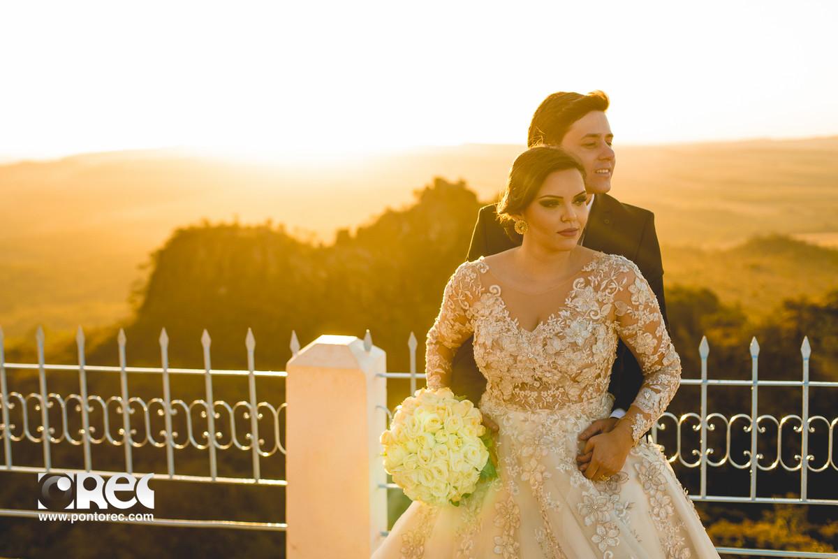 trash de dress, pirenopolis, goias, goiania, fotografia, fotografo de casamento, fotografo, fotografia de casamento, pre casamento, casamento com estilo, instalove,, cachoeira, por do sol